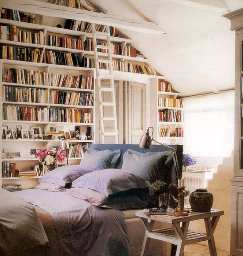 bed-bedoom-bedroom-books-bookshelves-Favim.com-220469